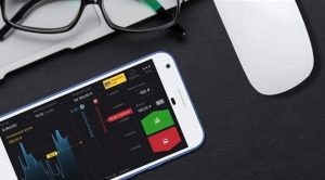 Kelebihan Binomo – aplikasi seluler kuantitas setor yang minimlasi ($ 10)